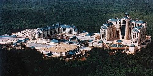 بازی های کازینویی Foxwoods Resort Casino چگونه انجام می شود؟